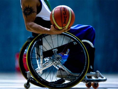 rolstoel + basketbal